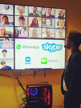 Virtuelles Meeting in Easy Multi Display