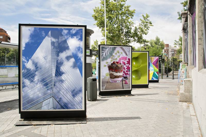 Why choose an outdoor digital signage system?